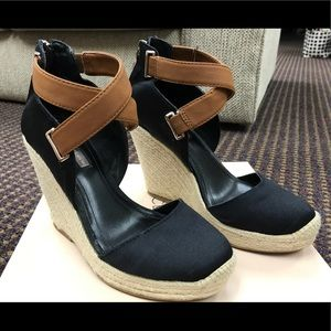 BCBG wedge espadrille, Black and Tan, size 6